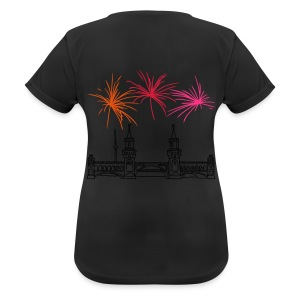 Fireworks New Year's Eve at Oberbaum Bridge in Berlin - Women's Breathable T-Shirt
