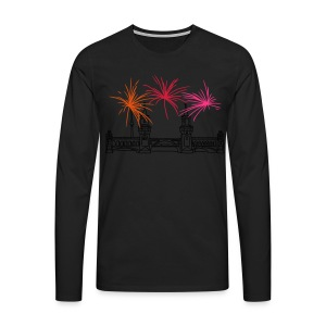 Fireworks New Year's Eve at Oberbaum Bridge in Berlin - Men's Premium Longsleeve Shirt