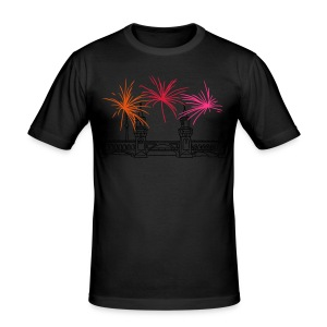 Fireworks New Year's Eve at Oberbaum Bridge in Berlin - Men's Slim Fit T-Shirt