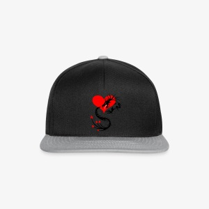 Silber-Drache im Herzen / Silver Dragon in the Heart - Frauen T-Shirt - Snapback Cap