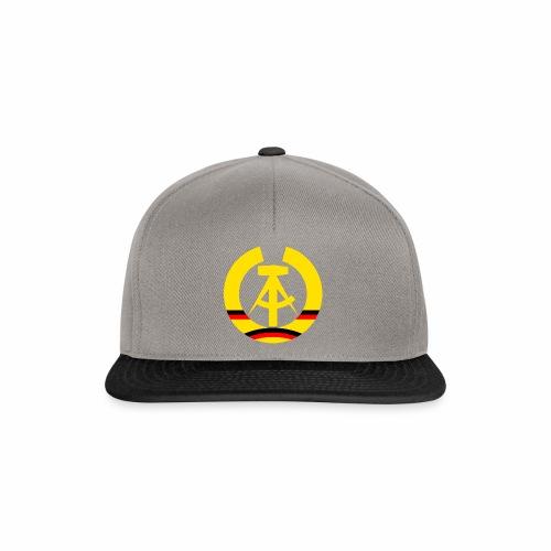 DDR Wappen stilisiert (alleinstehend) - Snapback Cap