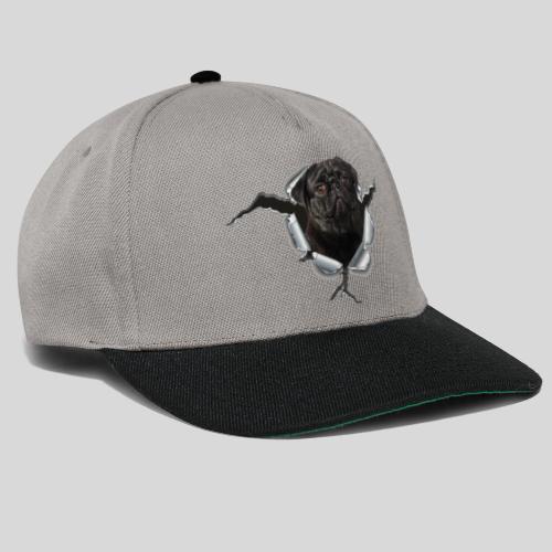 Schwarzer Mops im Metall Loch - Snapback Cap