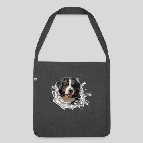 Berner Sennen Hund im *Glas-Loch* - Schultertasche aus Recycling-Material
