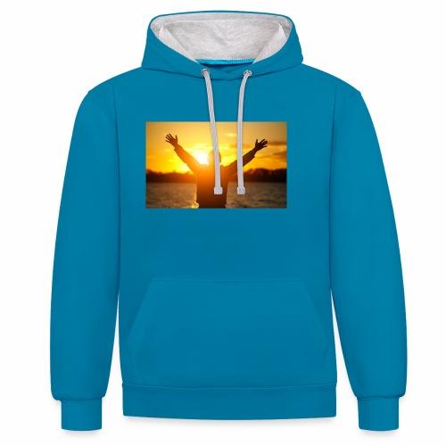 Camiseta Libre - Sudadera con capucha en contraste