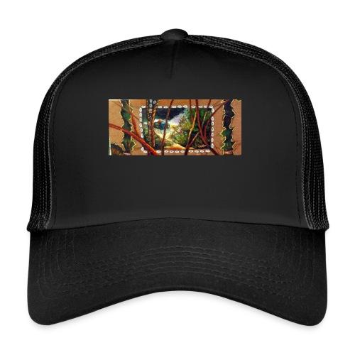 Deep Mint Insight Men's T- Shirt - Trucker Cap