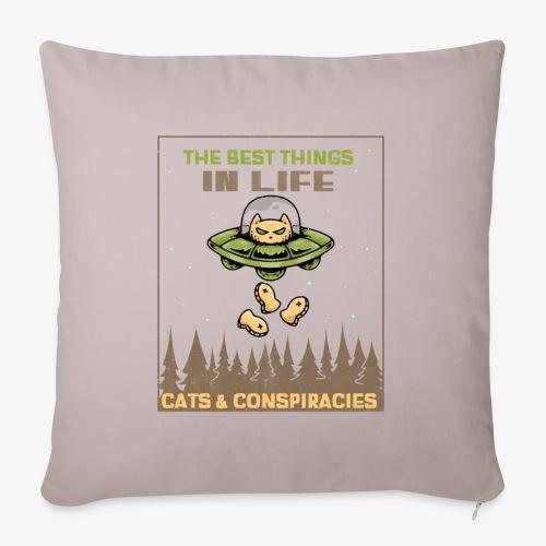 Cats and Conspiracies - Sohvatyynyn päällinen 45 x 45 cm