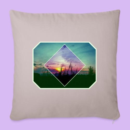 Tramonto in risalto tra figure geometriche - Copricuscino per divano, 45 x 45 cm