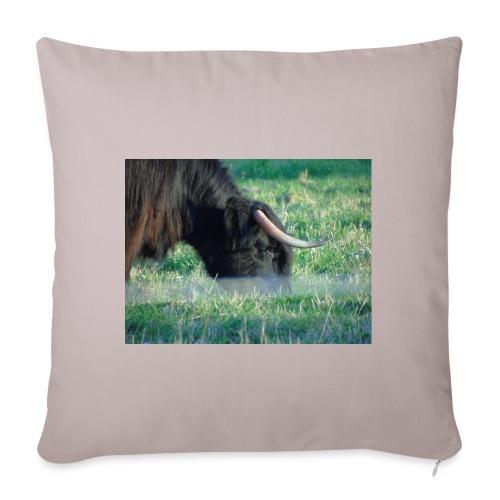 A highland cow - Sofa pillowcase 17,3'' x 17,3'' (45 x 45 cm)