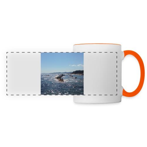 Mer avec roches - Mug panoramique contrasté et blanc