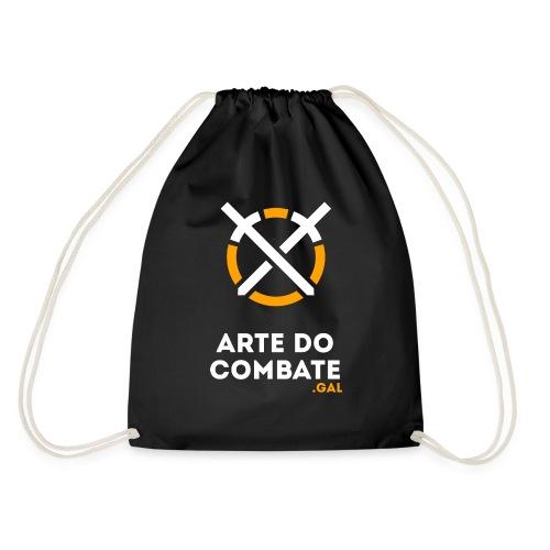 Logo «Arte do Combte» vertical sobre fundo preto - Mochila saco