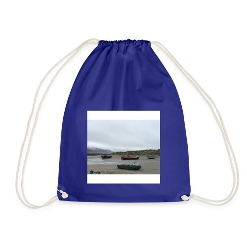 boats on barmouth beach - Drawstring Bag