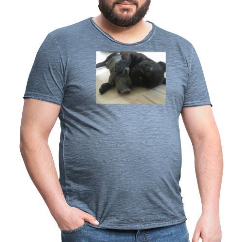 kuschelnder Hund - Männer Vintage T-Shirt