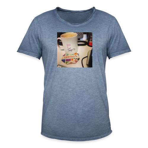 Queen of Shopping Muggins - Men's Vintage T-Shirt