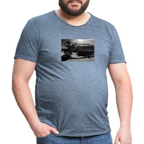 Karl box - Männer Vintage T-Shirt