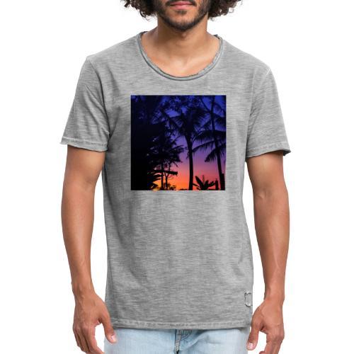 684041E1 CE26 4C32 BB97 F4E32E0A3080 - Männer Vintage T-Shirt