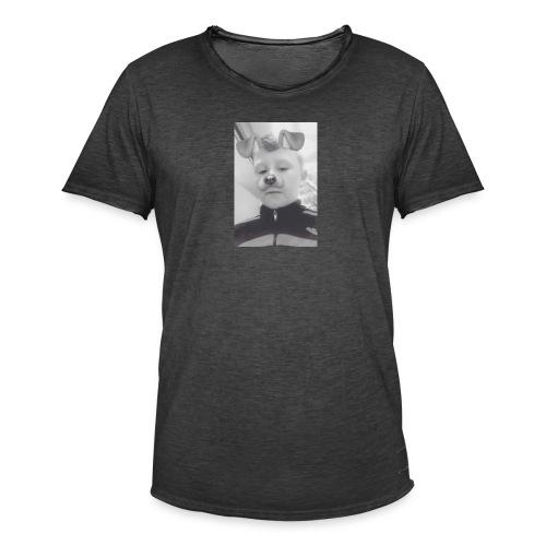 Streetwear - Men's Vintage T-Shirt