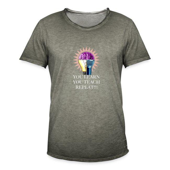 You Learn Svart T-shirt