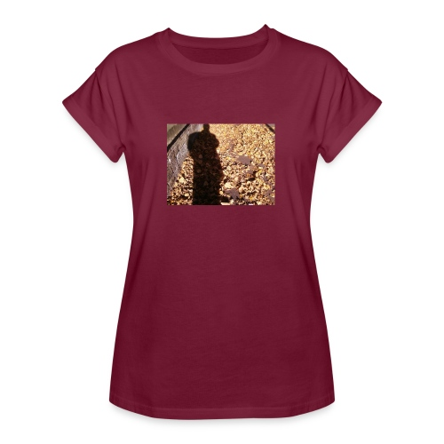 THE GREEN MAN IS MADE OF AUTUMN LEAVES - Women's Oversize T-Shirt