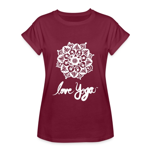 Love Yoga. Simply love it. - Oversize T-skjorte for kvinner
