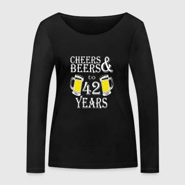 Skål og øl til 42 år - Økologisk langermet T-skjorte for kvinner fra Stanley & Stella