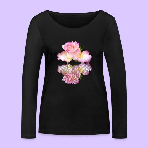pinke Rose mit Regentropfen im Spiegel, rosa Rosen - Frauen Bio-Langarmshirt von Stanley & Stella