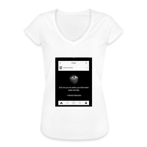 81F94047 B66E 4D6C 81E0 34B662128780 - Women's Vintage T-Shirt