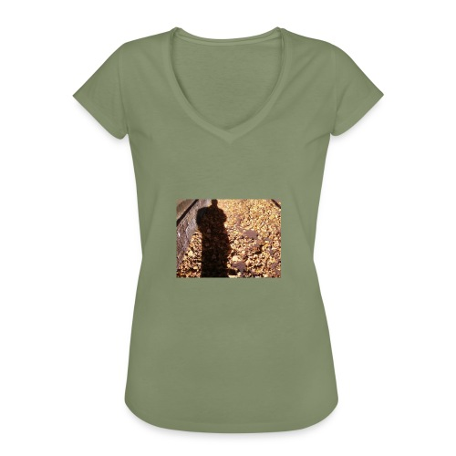 THE GREEN MAN IS MADE OF AUTUMN LEAVES - Women's Vintage T-Shirt