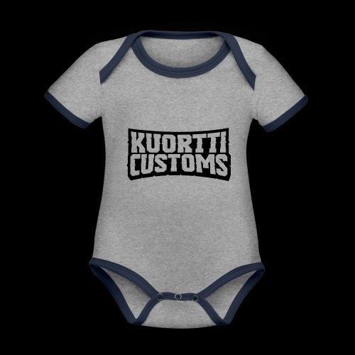 kuortti_customs_logo_main - Vauvan kontrastivärinen, lyhythihainen luomu-body