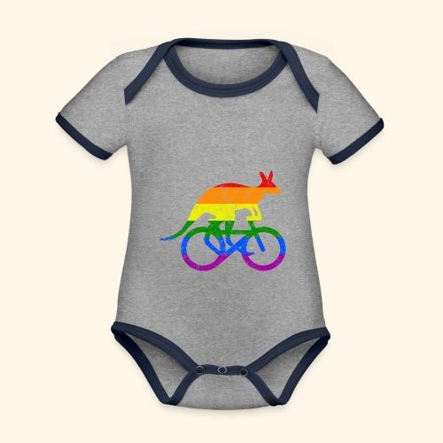 Radfahrer Känguru lustiges Fahrrad Regenbogenfahne - Baby Bio-Kurzarm-Kontrastbody