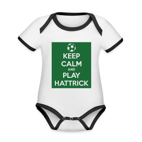 keep calm and play hattrick - Body da neonato a manica corta, ecologico e in contrasto cromatico