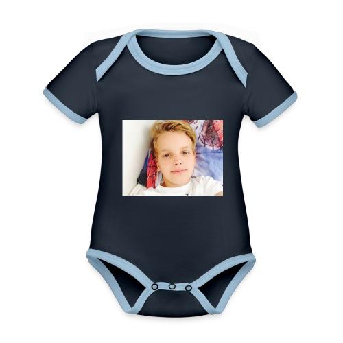 first design - Kortærmet økologisk babybody i kontrastfarver