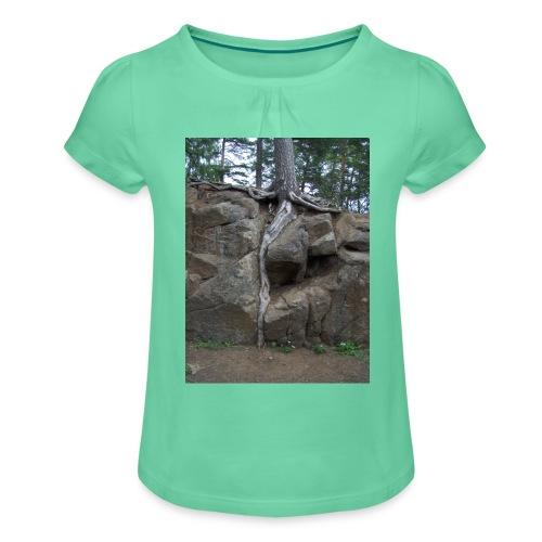 Juuret tukevasti maassa - Tyttöjen t-paita, jossa rypytyksiä