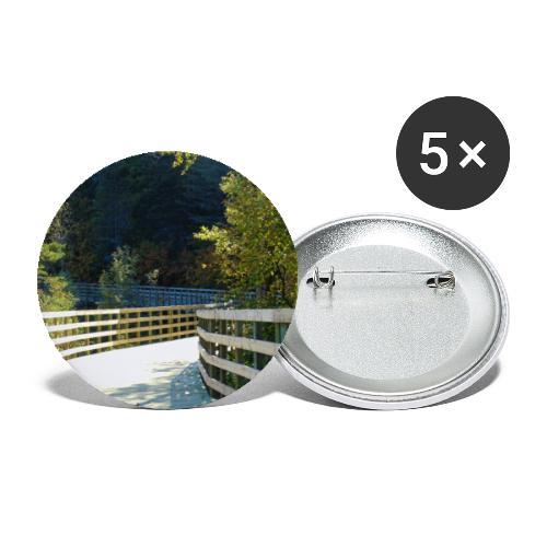Chemin dans la forêt - Lot de 5 petits badges (25 mm)