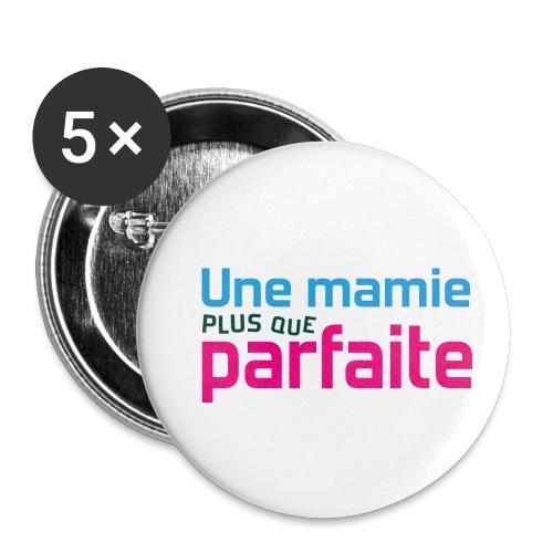 Uen mamie plus que parfaite - Lot de 5 petits badges (25 mm)