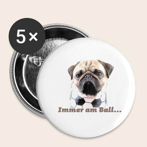 Mops am Ball 2 - Buttons klein 25 mm (5er Pack)