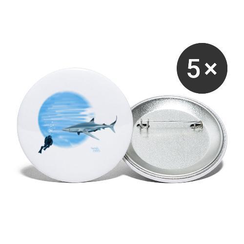 Grand requin et plongeur - Lot de 5 petits badges (25 mm)