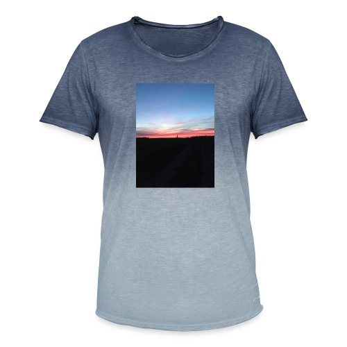 late night cycle - Men's T-Shirt with colour gradients