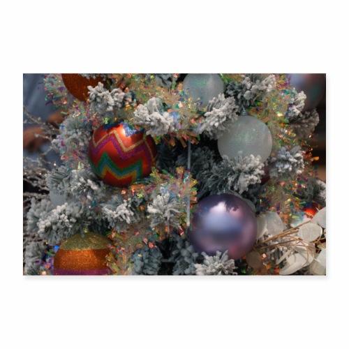 Weihnachtsbaum mit Dekoration - Poster 90x60 cm