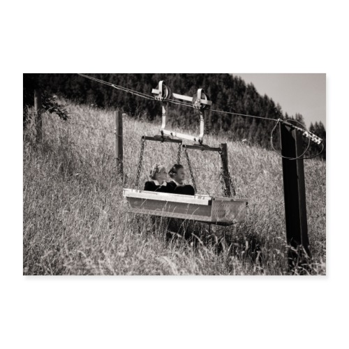 Zilleraler Mädels in Materialseilbahn - Poster 90x60 cm