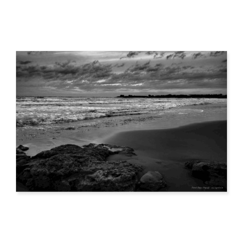 Steine Strand Meer Sizilien Schwarz Weiß Natur - Poster 90x60 cm