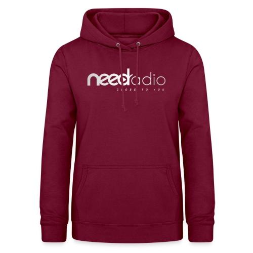 Logo BLANC NEED Radio - Sweat à capuche Femme