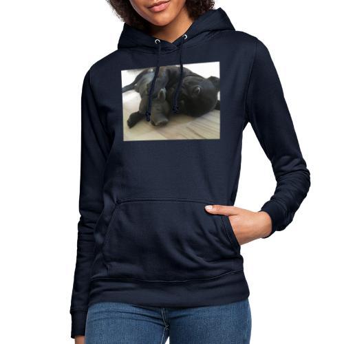 kuschelnder Hund - Frauen Hoodie