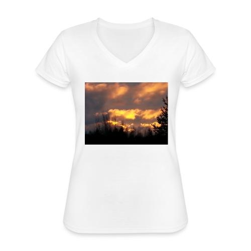 Iltarusko - Klassinen naisten t-paita v-pääntiellä