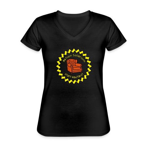Solarium statt Hautarzt - Klassisches Frauen-T-Shirt mit V-Ausschnitt
