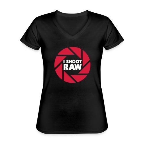 I shoot RAW - weiß - Klassisches Frauen-T-Shirt mit V-Ausschnitt