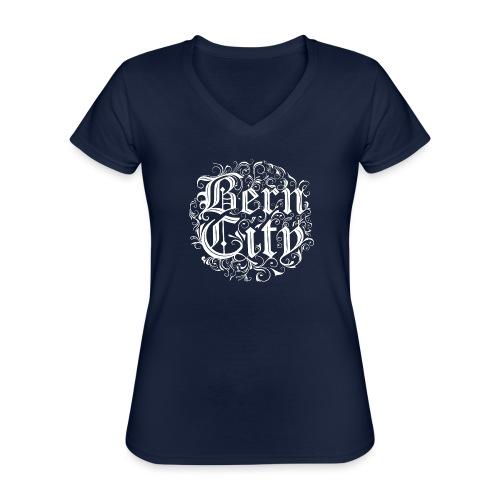 Berncity Typo 01 white edition - Klassisches Frauen-T-Shirt mit V-Ausschnitt