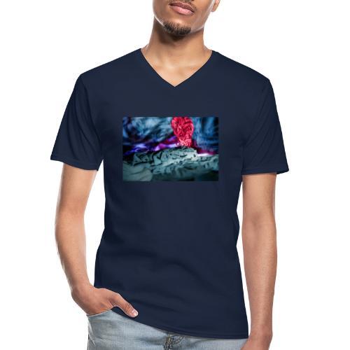 Vulkanausbruch - Klassisches Männer-T-Shirt mit V-Ausschnitt