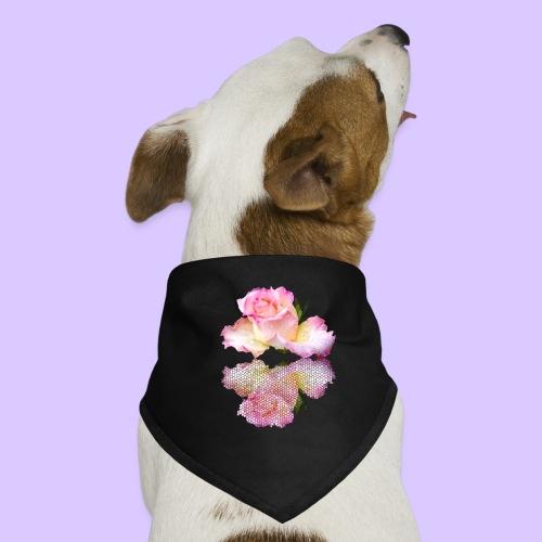 pinke Rose mit Regentropfen im Spiegel, rosa Rosen - Hunde-Bandana