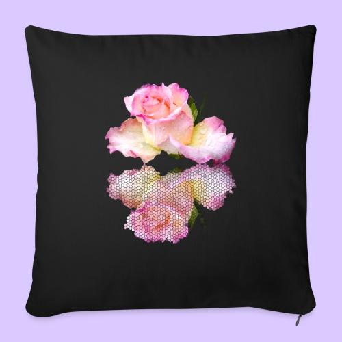 pinke Rose mit Regentropfen im Spiegel, rosa Rosen - Sofakissen mit Füllung 44 x 44 cm