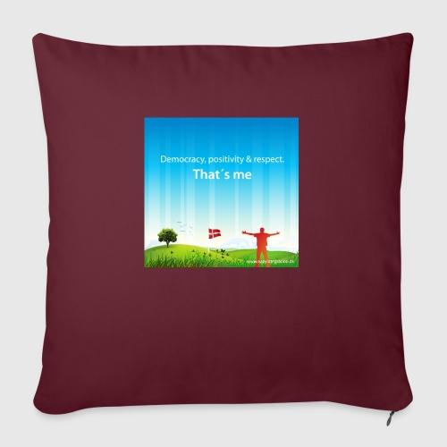 Rolling hills tshirt - Sofapude med fyld 44 x 44 cm